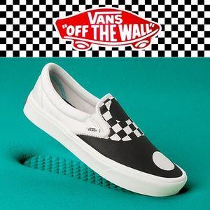 Vans Comfycush Slip On Sneakers Yin Yangs 10.5